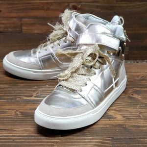 Madden Girl Sneakers Size 7